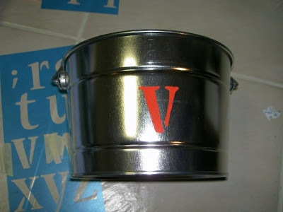 how to personalize tin pails with paint pen