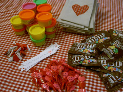 treat fillings for Valentine's goody bags