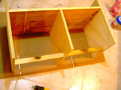 build bench with cubbies