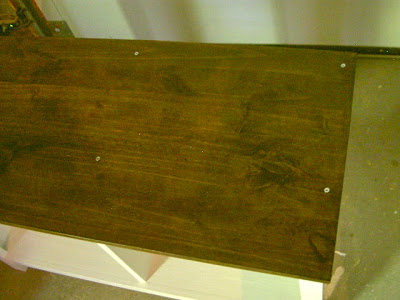bench top attached to cubbies