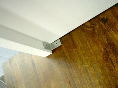 L brackets to secure locker unit