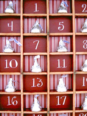 type tray christmas countdown