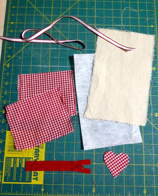 supplies to make mini canvas zippered pouch