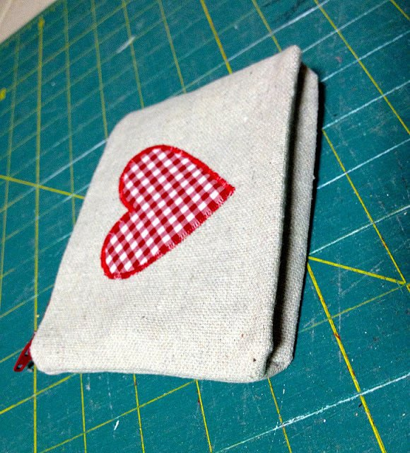 pressed gusset in canvas pouch