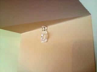 3M command hooks on wall