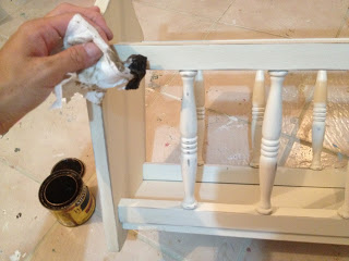 apply stain to distressed edges