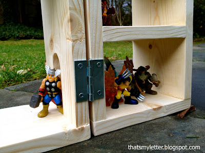 hinges to fold playhouse
