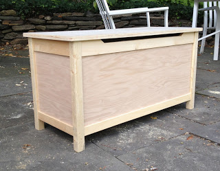 simple toy box built