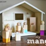 DIY Wood Manger