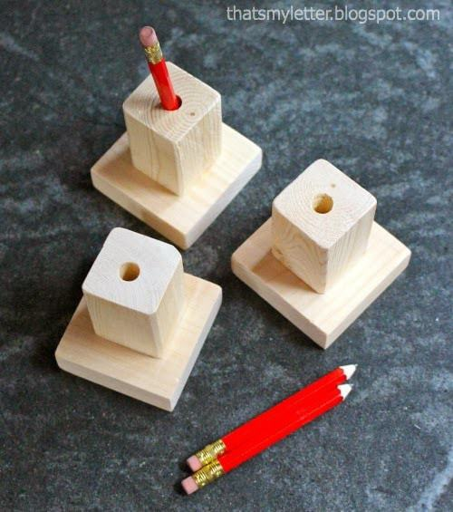 diy single pencil holder with red golf pencils