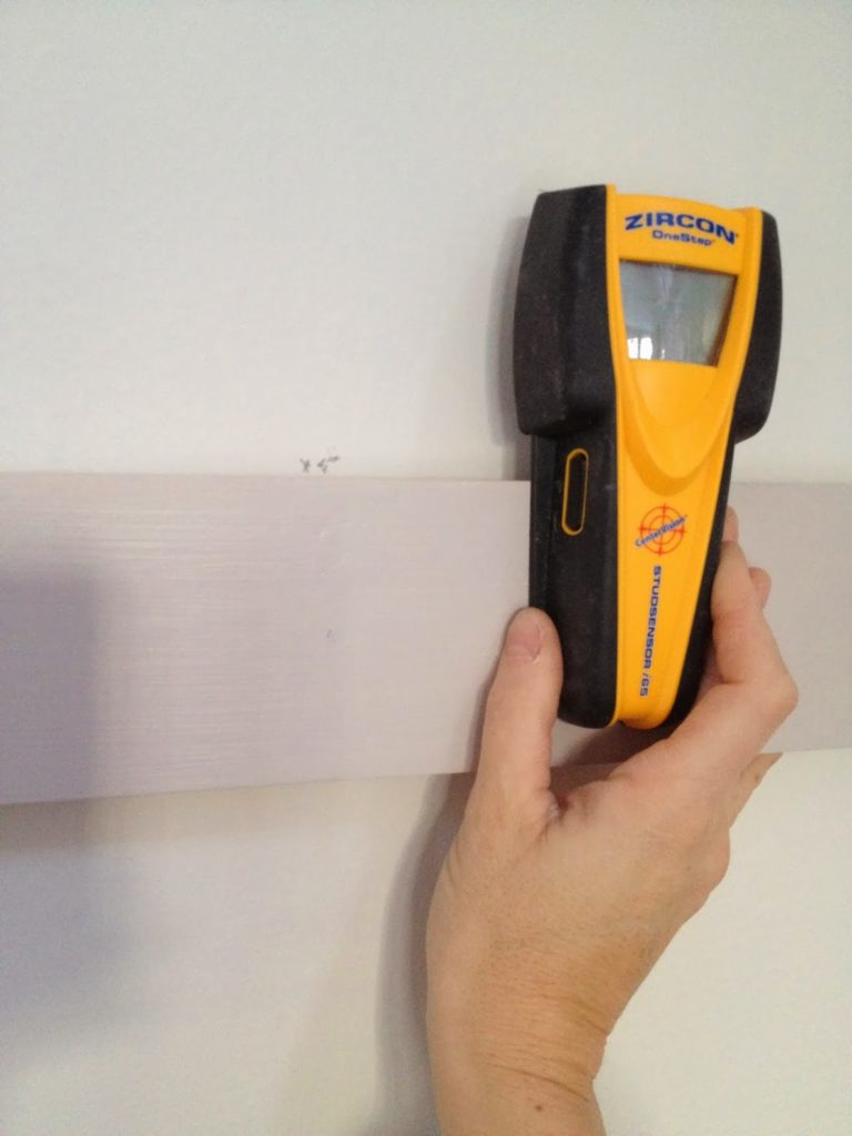 install wood boards level