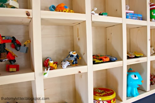 diy cubby shelf detail