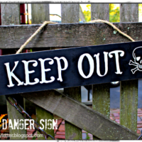 DIY Danger Keep Out Skull & Crossbones Sign