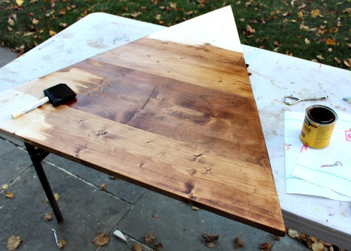 stain the wood triangle shape