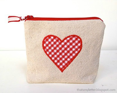 diy heart zipper pouch valentine