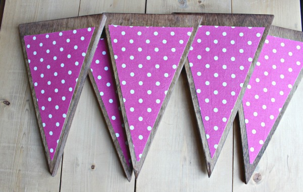 how to make a triangle wood banner