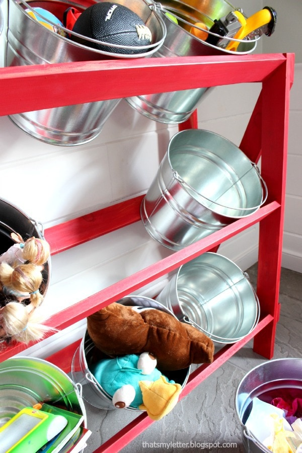 removable buckets shelving system