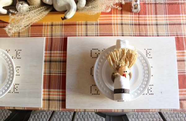 thanksgiving placemat with turkey napkin ring