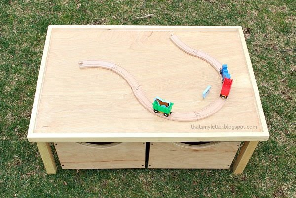 kids play table with lip edge