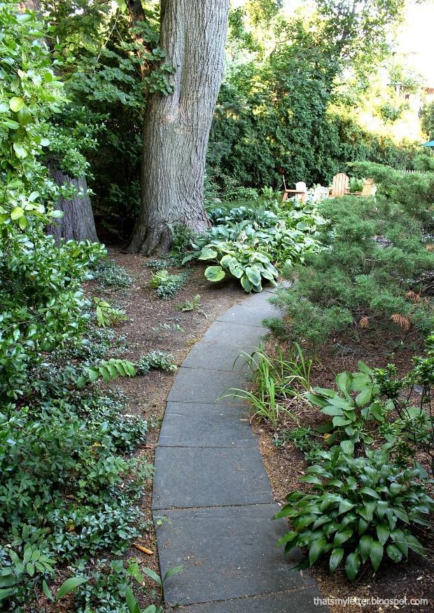 pathway to backyard