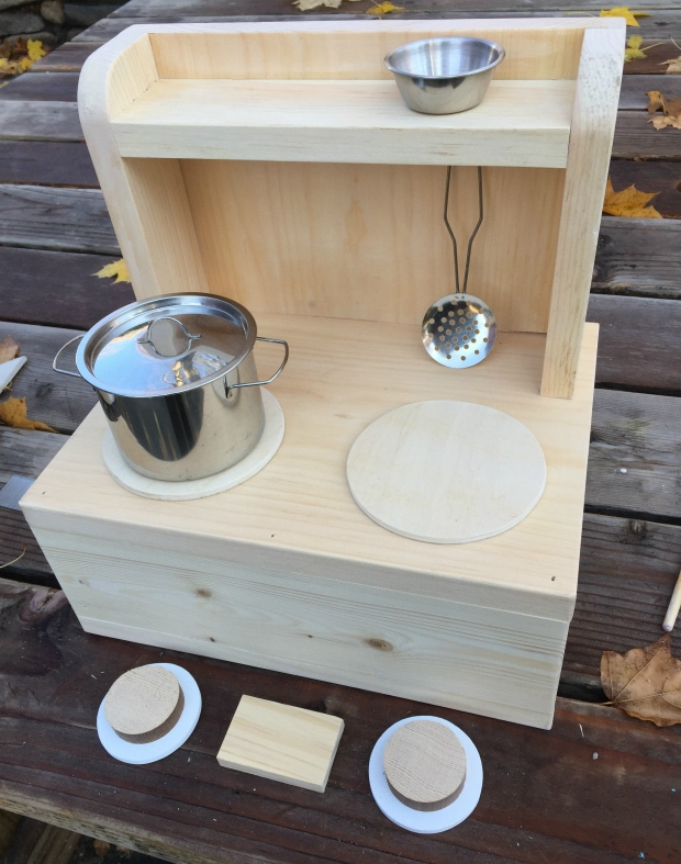 diy portable tabletop play kitchen build