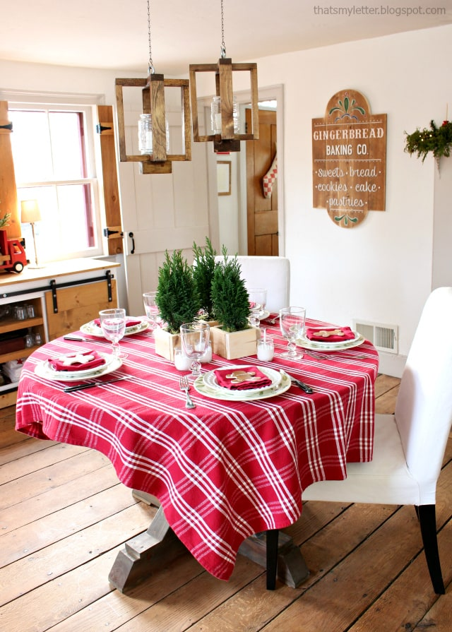 diy christmas tablescape red and wood