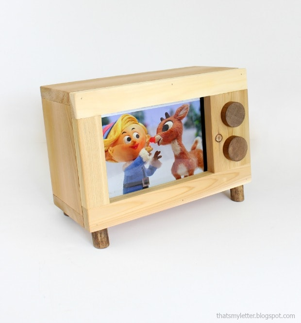 diy retro tv ipad holder