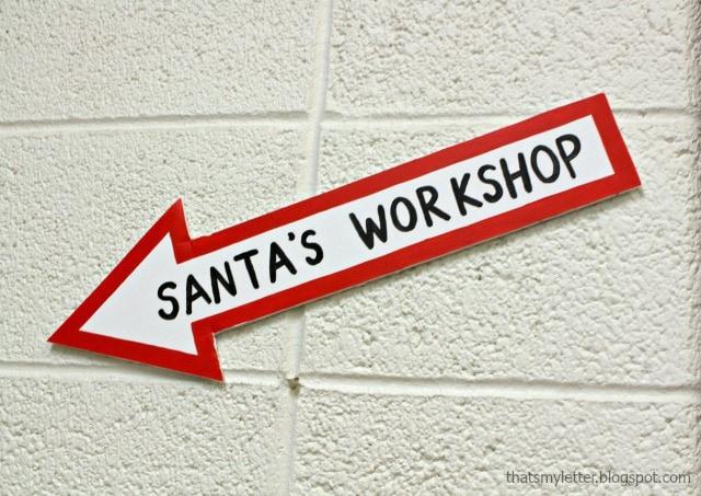 Santa's workshop arrow sign