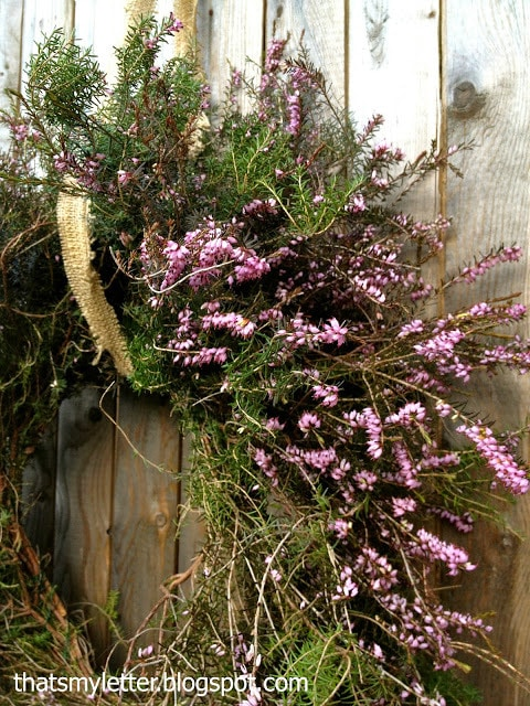 purple heather wreath details