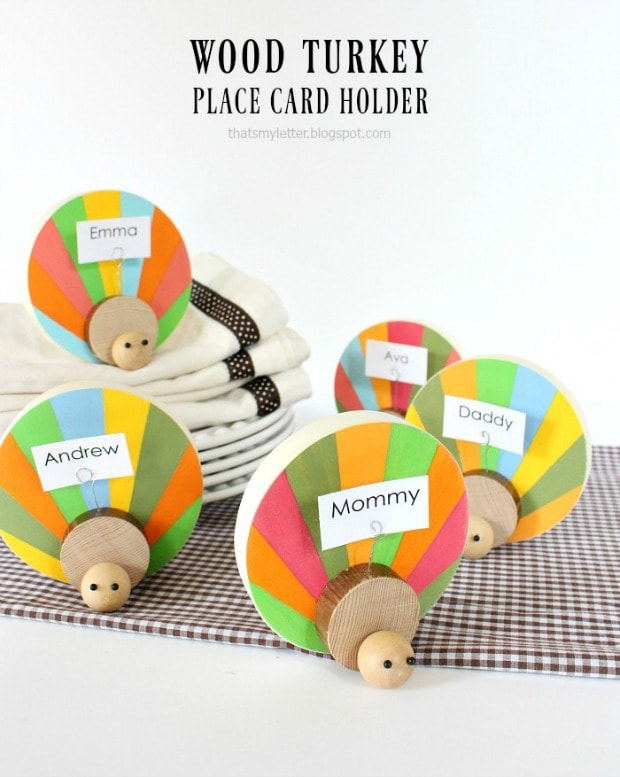 diy wood turkey place card holder