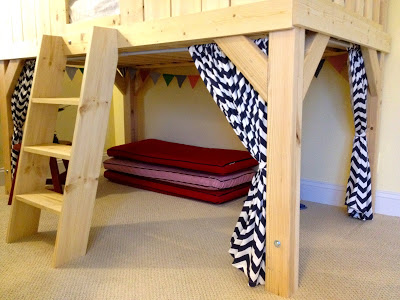playspace under clubhouse bed