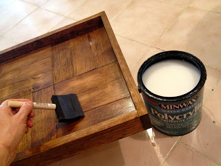 poly on parquet pattern tray
