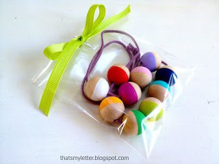 wood bead necklace gift wrap idea