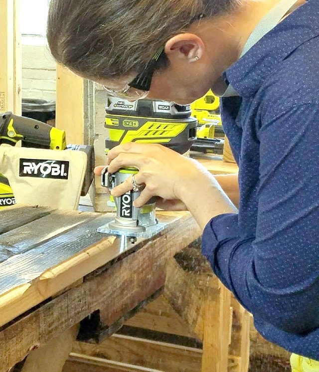 ryobi trim router in action
