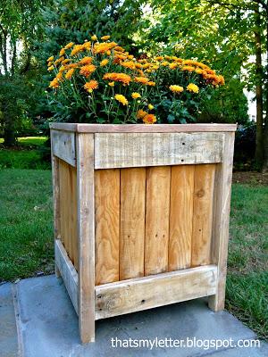 diy outdoor planter using fence pieces