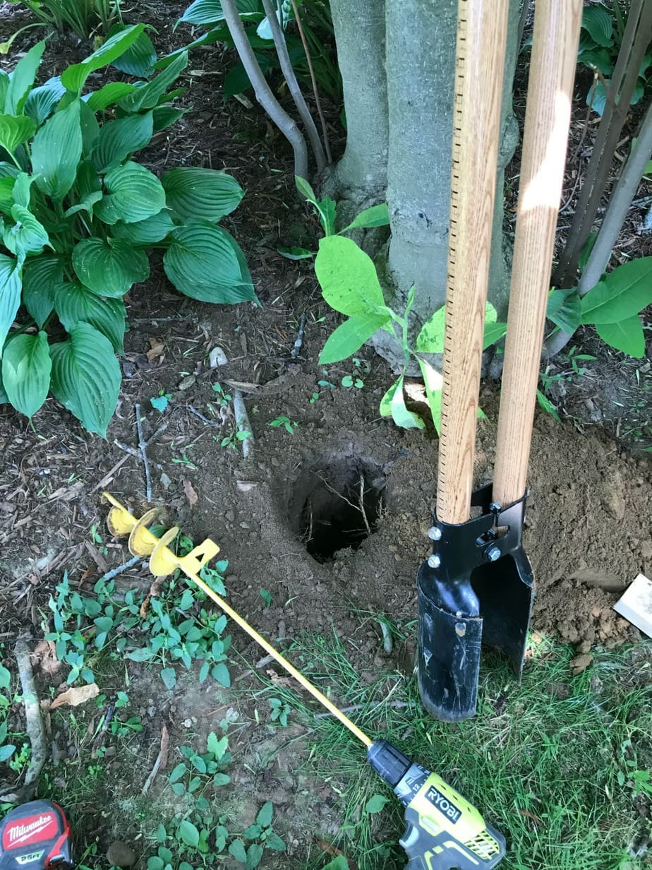 digging holes for fence posts