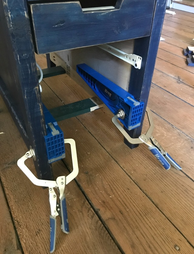 Kreg drawer slide jig to install drawer glides