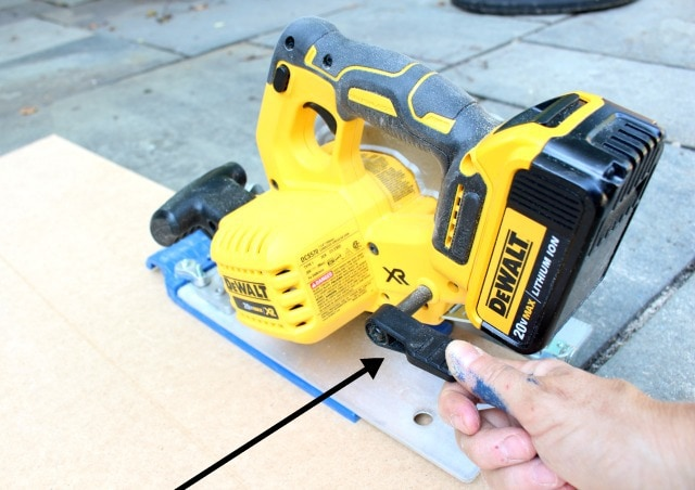 dewalt cordless circular saw depth gauge