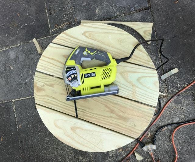 cutting a circular top using a jig saw