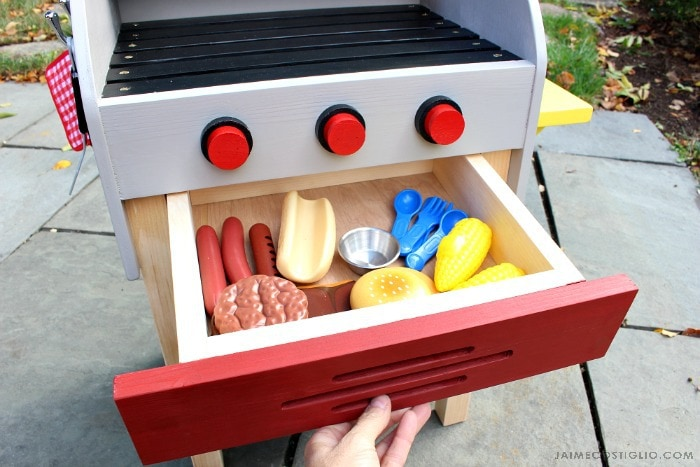kids play grill drawer