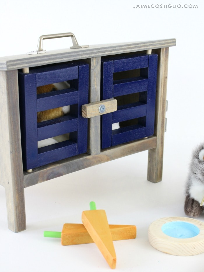 diy bunny hutch door detail