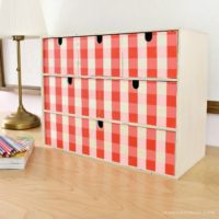 gingham moppe storage chest