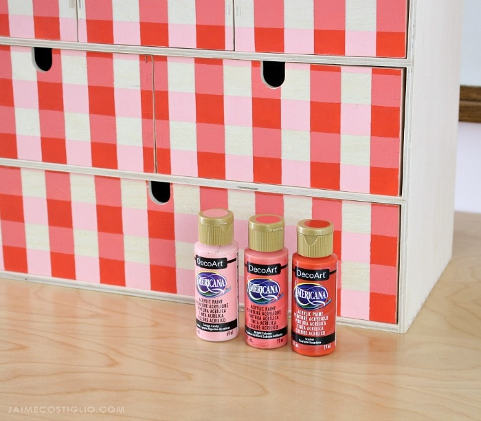 moppe storage chest paints 700