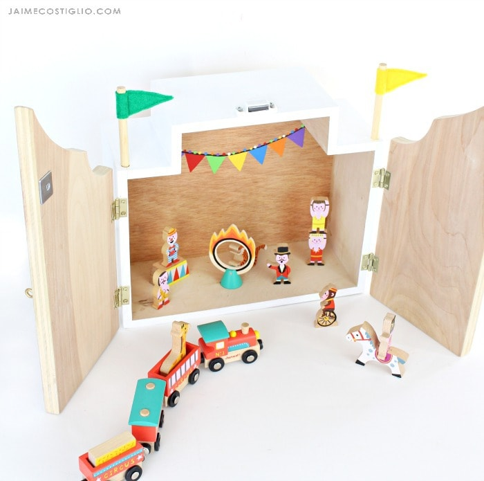 play circus interior