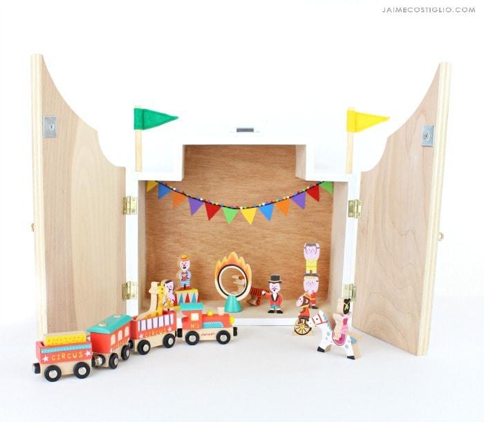 play circus open