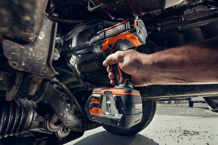 ridgid-impact-wrench-in action