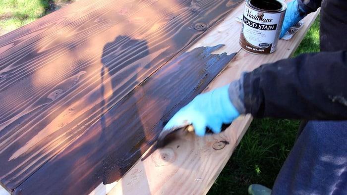 varathane stain applying to wood desk top 700