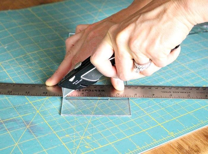 Husky utility knife cutting plexiglass