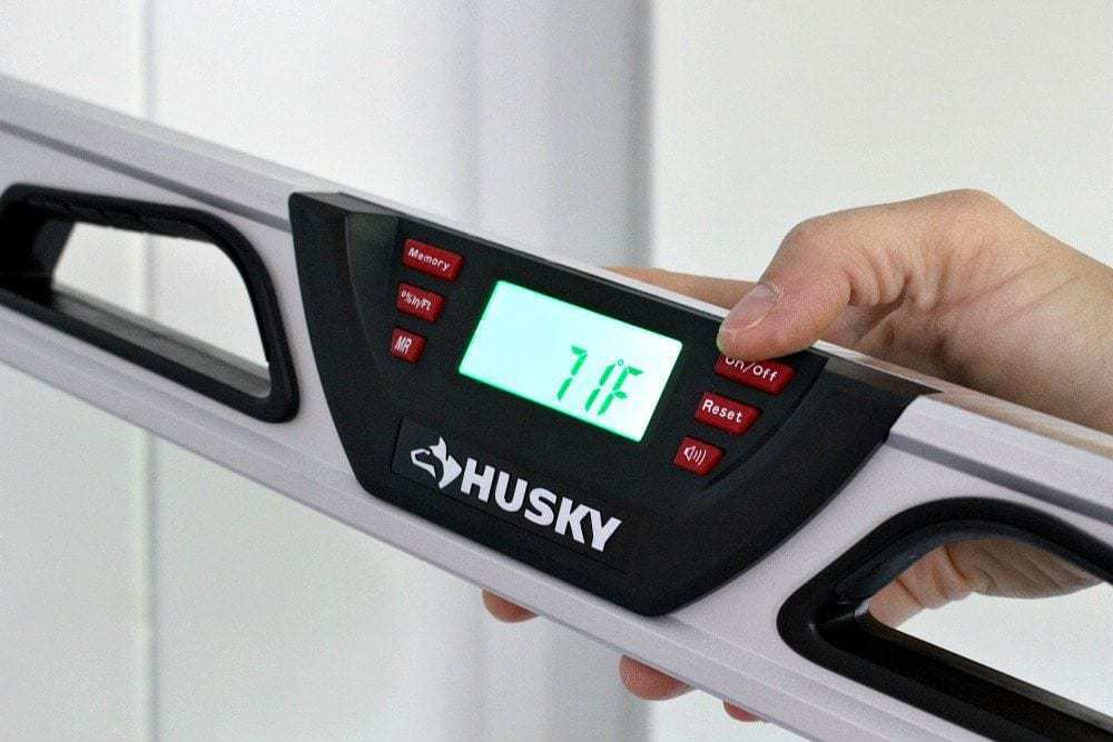 husky digital level with temperature