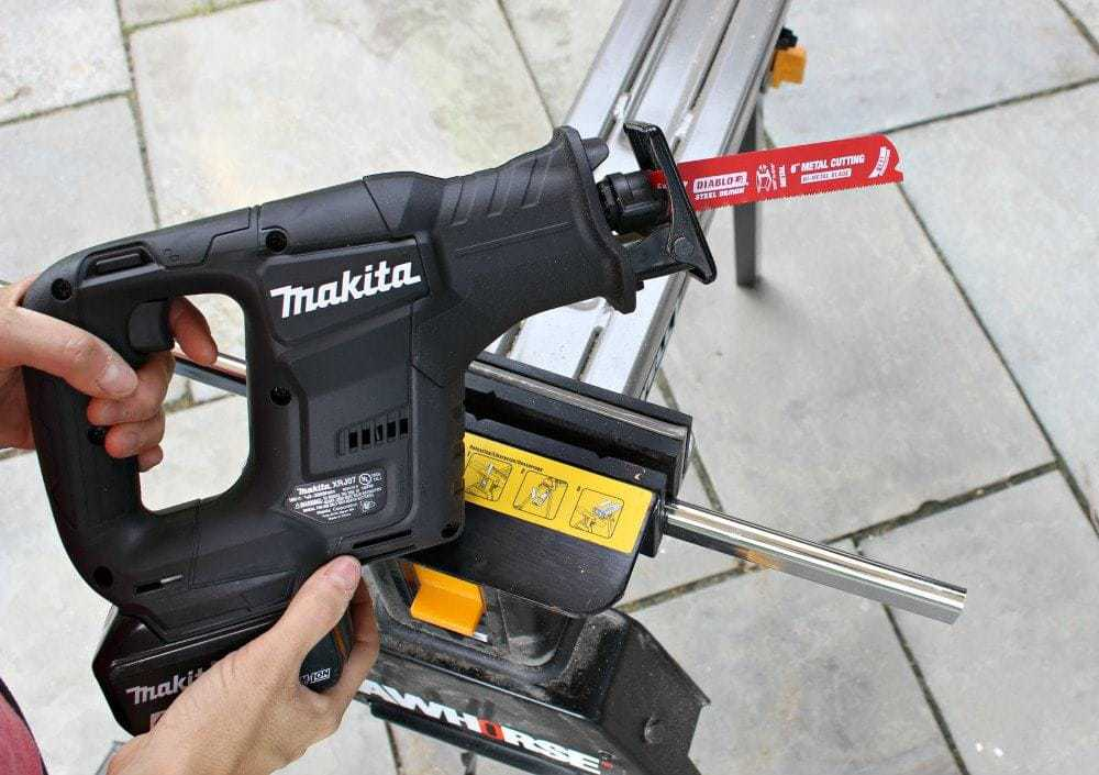 Makita subcompact recip saw with Diablo metal cutting blade